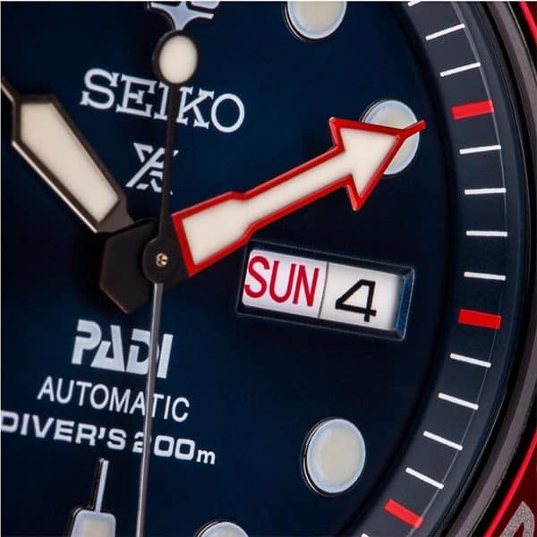 "Water resistance of this Seiko PADI Turtle written as ""Diver's 200m"" on the dial."