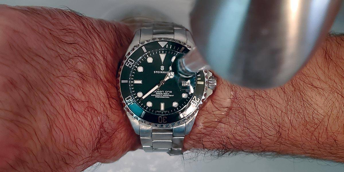 Can-Your-Watch-Get-Wet---Steinhart-Ocean-39-Getting-Wet-Featured-Image