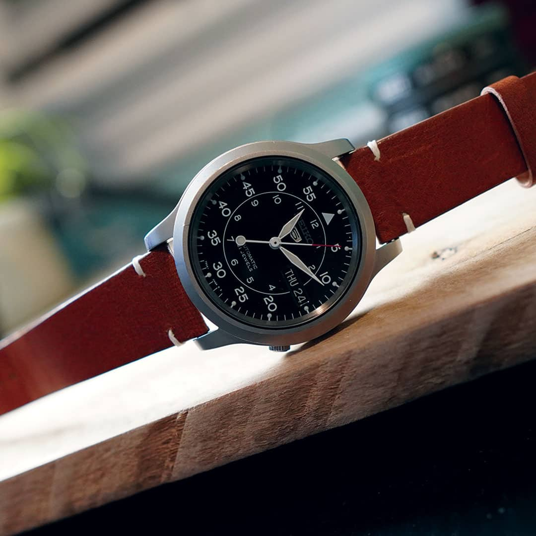 SNK809 on Brown Leather Vintage Style Strap